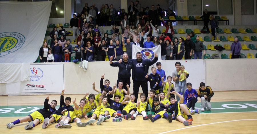 Uniminicup 2019 Şampiyonu Best Basketbol U11 Takımı